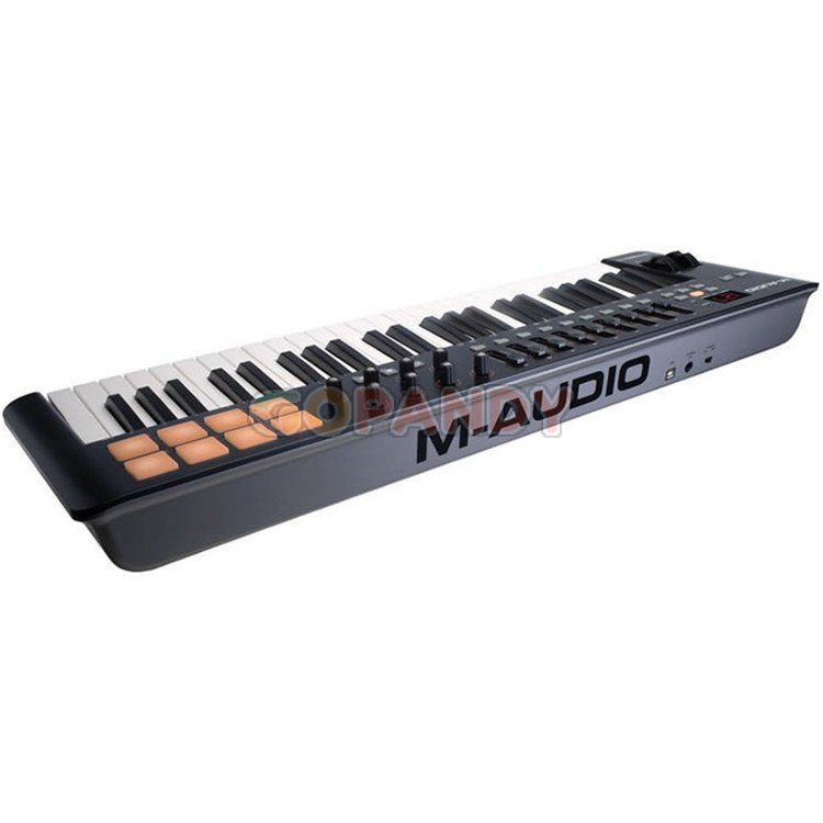 m-audio_oxygen_49_mk4_keyboard_controller4.jpg