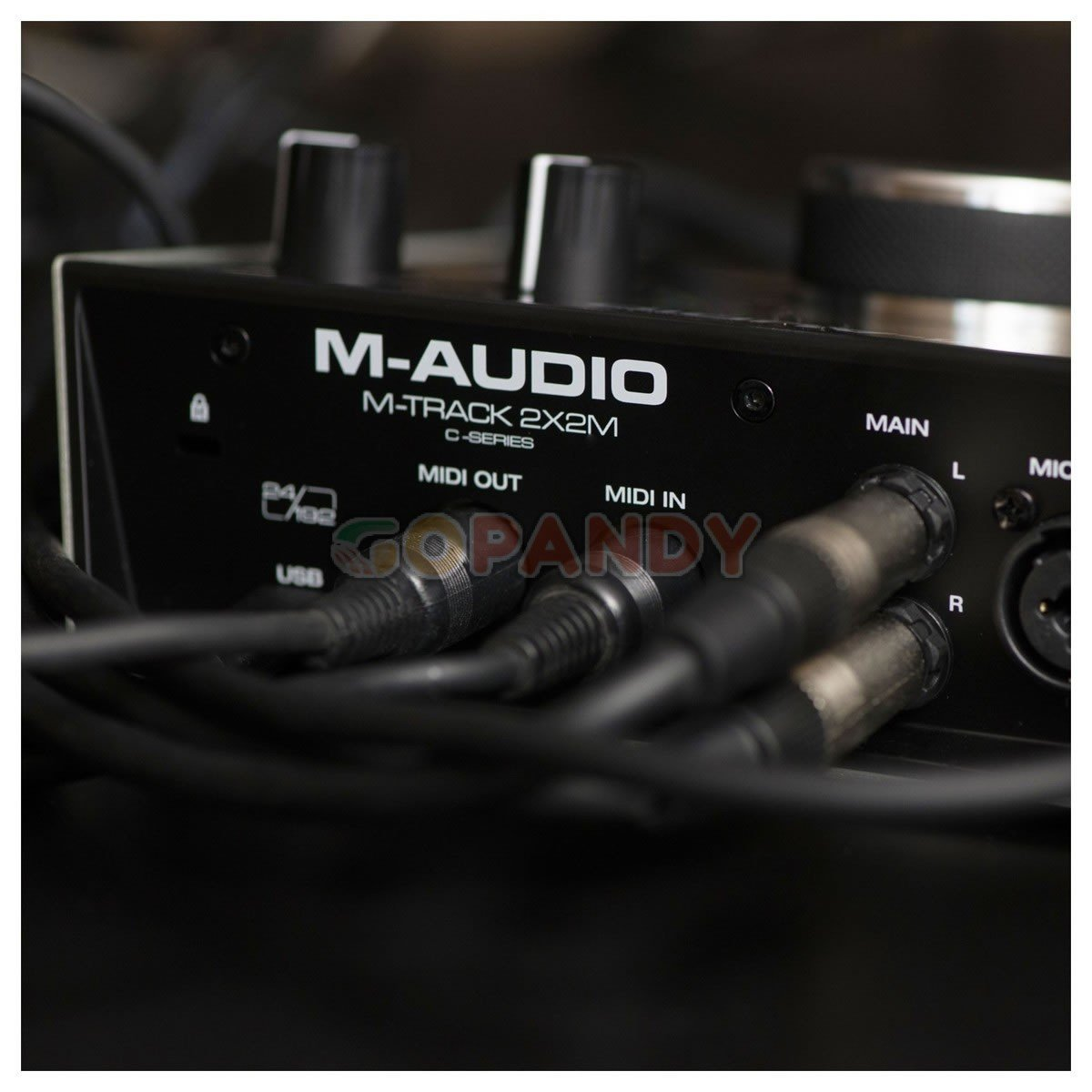 maudio-2x2m-03